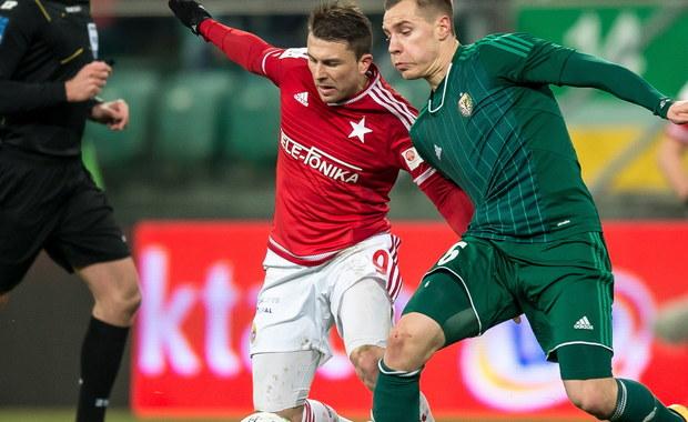145 milionów euro - tyle zdaniem fachowego niemieckiego portalu, wynosi wartość piłkarzy, którzy w rundzie wiosennej mogą występować w naszej piłkarskiej Ekstraklasie. Najdroższą kadrę ma Legia Warszawa. Najtańsi teoretycznie zawodnicy występują w Górniku Łęczna.