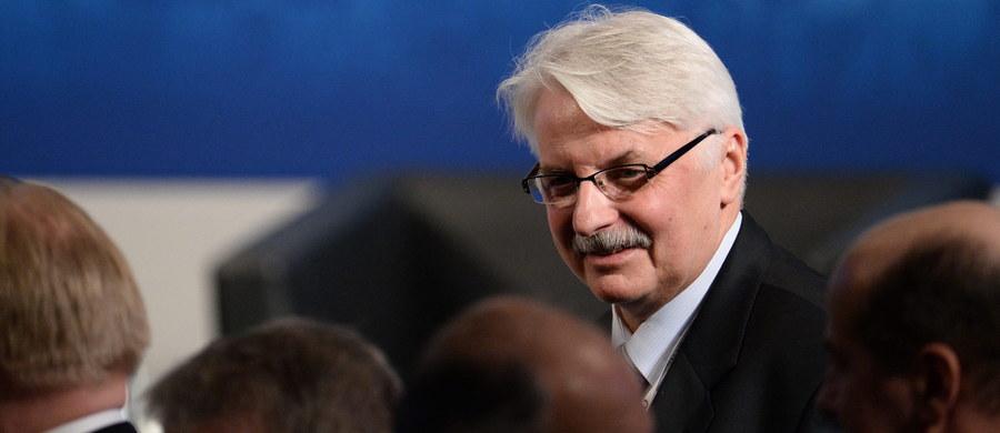 Decyzje podjęte w 2014 roku na szczycie NATO w Newport nie wystarczą do zapewnienia Polsce bezpieczeństwa – uważa minister spraw zagranicznych Witold Waszczykowski. Jego zdaniem deklaracja NATO-Rosja z 1997 roku już nie obowiązuje.