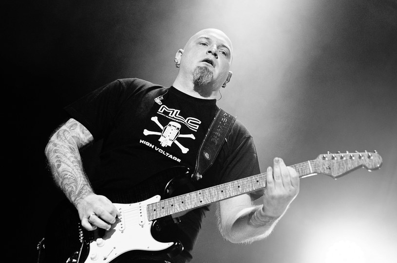 Nagła i niespodziewana śmierć Piotra Grudzińskiego, gitarzysty Riverside, poruszyła środowisko muzyczne. Kondolencje spływają z całego świata.