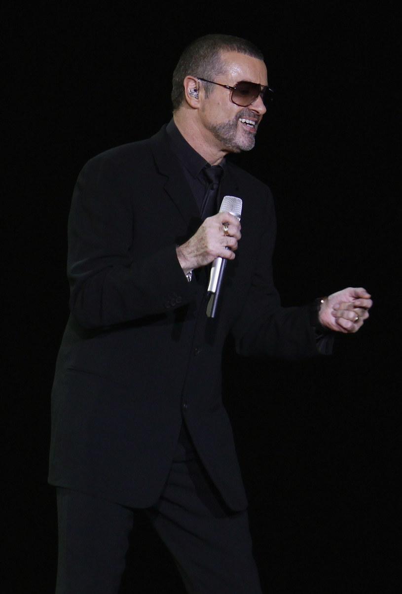 Zdaniem brytyjskich tabloidów dawno nie słyszany George Michael szykuje powrót do koncertowania.