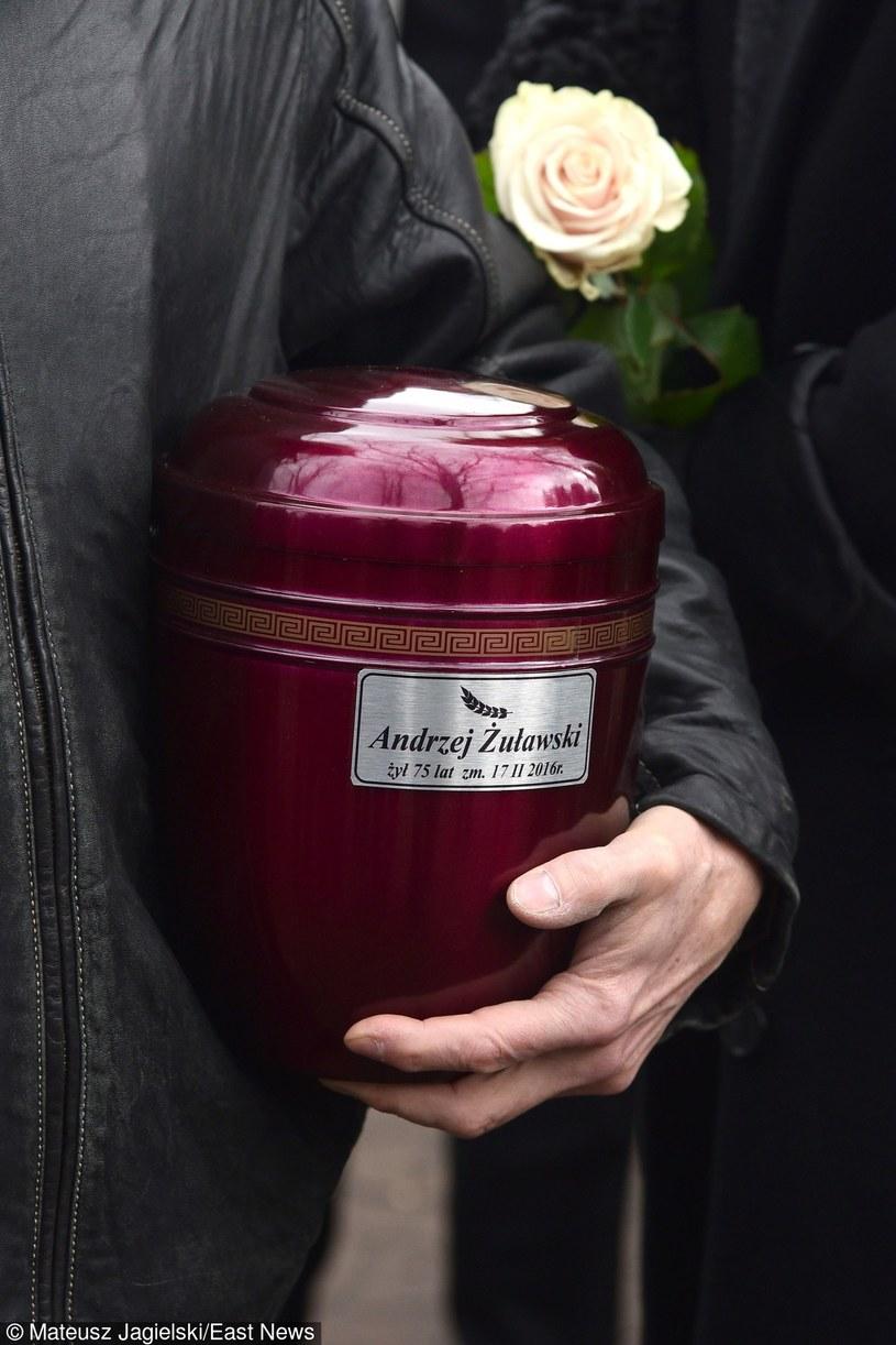 Pogrzeb Andrzeja Żuławskiego odbył się 22 lutego na Cmentarzu Rzymskokatolickim w Górze Kalwarii (woj. mazowieckie). Polski twórca zmarł 17 lutego. Od kilku lat walczył z chorobą nowotworową.