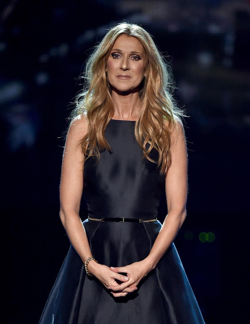 Celine Dion postanowiła, że jej pierwszy koncert po śmierci męża Rene Angelila będzie transmitowany na żywo. Wokalistka chce w ten sposób podziękować fanom za wsparcie, którego udzielili jej w tych trudnych chwilach.