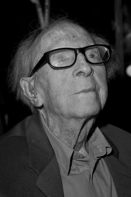 22 lutego, w wieku 103 lat, zmarł Douglas Slocombe, ceniony brytyjski operator filmowy. Swą karierę rozpoczął w latach 40., natomiast do jego najsłynniejszych dzieł należą trzy pierwsze części przygód Indiany Jonesa.