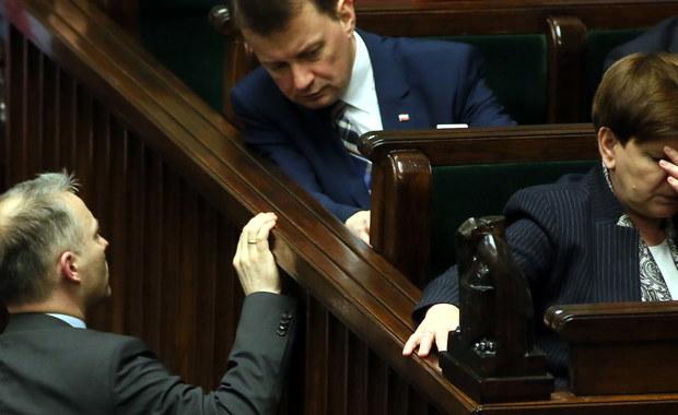 Sejm zaakceptował w czwartek wszystkie 20 poprawek Senatu do ustawy budżetowej na 2016 rok. Zwiększają one m.in. Fundusz Kościelny i budżet Kancelarii Senatu, a zmniejszają budżet KRRiT i KRS.