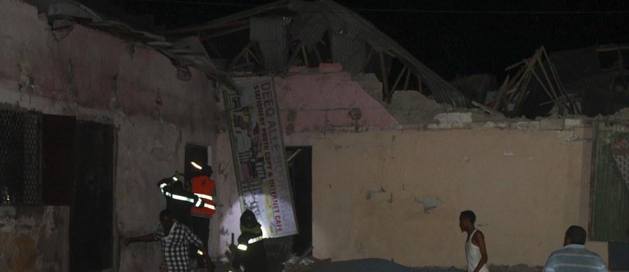 Co najmniej 12 osób zginęło w ataku na hotel SYL w centrum stolicy Somalii, Mogadiszu. Do zorganizowania zamachu przyznało się ugrupowanie Al-Szabab.