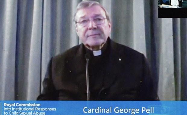 """Kościół popełnił """"ogromne błędy"""" w podejściu do skandalu pedofilii- przyznał bliski współpracownik papieża Franciszka, australijski kardynał George Pell. Kardynał składał zeznania przed działającą w jego kraju rządową komisją, która zajmuje się sprawą nadużyć seksualnych wobec dzieci."""