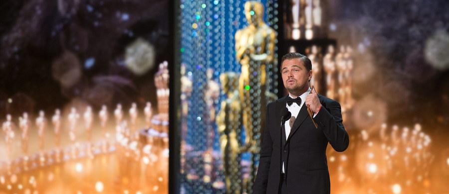 """""""Spotlight"""" to nie jest film, którym się przechodzi do historii kina. To jest bardzo rzetelnie zrobione kino, bardzo ważny temat. Takich filmów w kinie amerykańskim jest mnóstwo - tak o tegorocznym werdykcie amerykańskiej Akademii Filmowej mówi krytyk filmowy Łukasz Maciejewski. """"W przypadku Leonardo DiCaprio to jest trochę bardziej problematyczna nagroda. Nie rozumiem fenomenu, co się wydarzyło w ostatnich dwóch miesiącach, że właściwie wszyscy mówili tylko o DiCaprio"""" - dodaje Maciejewski."""
