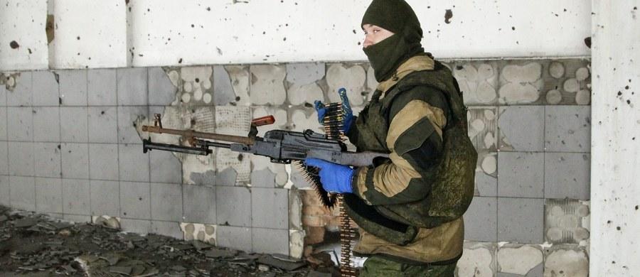 Prorosyjscy separatyści na wschodniej Ukrainie przetrzymują na opanowanych obszarach Donbasu 131 zakładników. Wśród nich 52 to osoby cywilne - oświadczył doradca szefa Służby Bezpieczeństwa Ukrainy (SBU) Jurij Tandit.