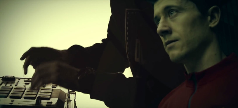 """Pod koniec lutego do sieci trafił nowy teledysk Bilona, który promuje film dokumentalny """"110%""""."""