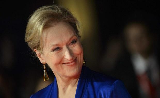 Andrzej Wajda kończy w niedzielę 90 lat. Polscy i światowi filmowcy już od kilku dni przesyłają mu życzenia i wyrazy uznania. W tym gronie są m.in. Meryl Streep i Małgorzata Szumowska, które zaśpiewały dla słynnego reżysera.