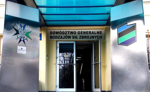 Exodus generałów z Dowództwa Generalnego Rodzajów Sił Zbrojnych. Jak dowiedzieli się reporterzy RMF FM, z tej głównej instytucji dowodzącej polską armią odchodzi 5 generałów - to prawie jedna czwarta wszystkich służących w dowództwie. Ten fakt potwierdził rzecznik MON Bartłomiej Misiewicz. Nieoficjalnie mowa jest też o kilku pułkownikach.