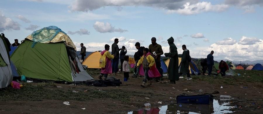 """""""Turcja musi powstrzymać lub znacząco zahamować napływ nielegalnych migrantów do Europy przed 1 czerwca, gdy w życie wejdzie w pełni porozumienie UE-Ankara o readmisji migrantów"""" - oświadczył w piątek wysłannik UE Hansjorg Haber."""