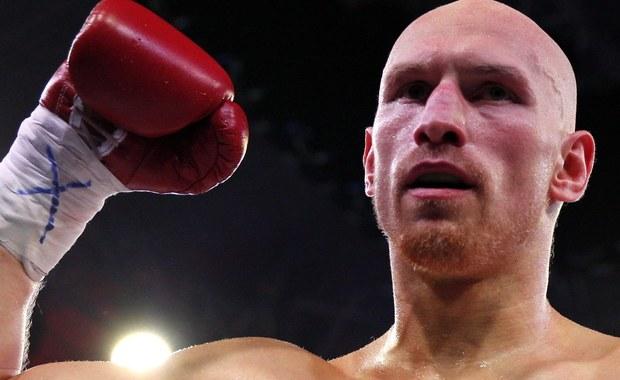 Krzysztof Włodarczyk, były mistrz świata kategorii junior ciężkiej organizacji WBC i IBF, pokonał w Sosnowcu przez techniczny nokaut w drugiej rundzie Rosjanina Walerego Brudowa. To pierwszy pojedynek polskiego boksera po prawie półtorarocznej przerwie.