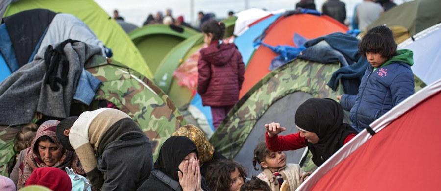 Przywódcy UE po raz kolejny spróbują w poniedziałek przekonać Turcję do zahamowania napływu migrantów do UE oraz skutecznej walki z przemytnikami ludzi. Nie brak opinii, że szczyt UE-Turcja to spotkanie ostatniej szansy, zanim wiosną fala migracji się nasili.