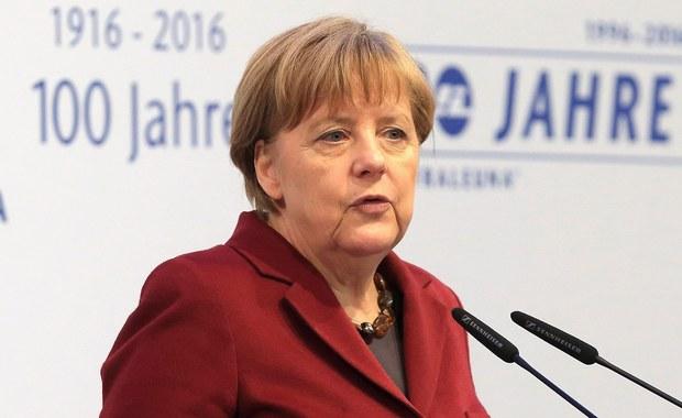 """Kanclerz Angela Merkel w wywiadzie dla niedzielnego wydania gazety """"Bild"""" powiedziała, że Niemcy nie przyjmą uchodźców, którzy koczują na granicy Grecji z Macedonią, ponieważ migranci nie mają prawa do azylu w wybranym przez siebie kraju."""