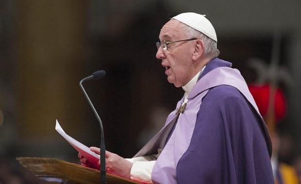 Papież Franciszek z uznaniem wypowiedział się o włoskiej inicjatywie mostu humanitarnego, dzięki któremu do Rzymu przyleciało około 100 uchodźców z Syrii. Jak dodał, ten program pomocy łączy solidarność i bezpieczeństwo.