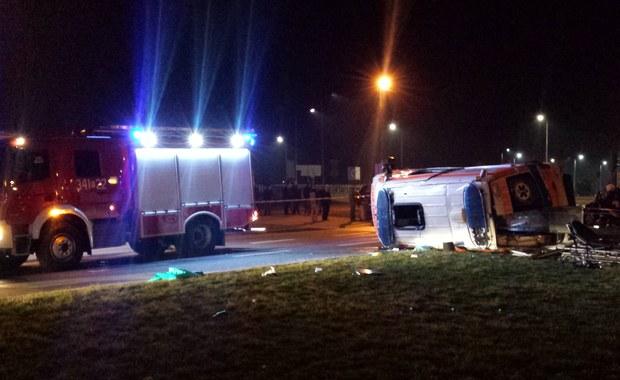 Wypadek w Nowym Sączu w Małopolsce. Na rondzie Solidarności karetka zderzyła się z samochodem osobowym. Ranne zostały trzy osoby. Informację o zdarzeniu dostaliśmy na Gorącą Linię RMF FM.