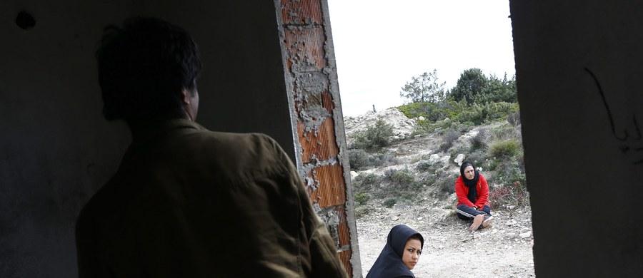 Turcja zwróciła się do Unii Europejskiej o dodatkowe 3 miliardy euro na pomoc dla przebywających w tym kraju uchodźców - poinformował szef europarlamentu Martin Schulz. Zgromadzeni na szczycie UE szefowie państw i rządów dyskutują nad propozycją Ankary, która oznacza podwojenie obiecanego już w listopadzie ubiegłego roku przez Unię wsparcia dla uchodźców syryjskich, chroniących się w Turcji. UE chce przekonać Turcję do zahamowania fali migracyjnej.