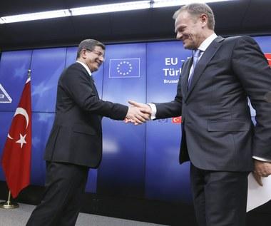"""Donald Tusk: """"Dni nielegalnej imigracji do Europy dobiegły końca"""". Jest porozumienie UE-Turcja"""