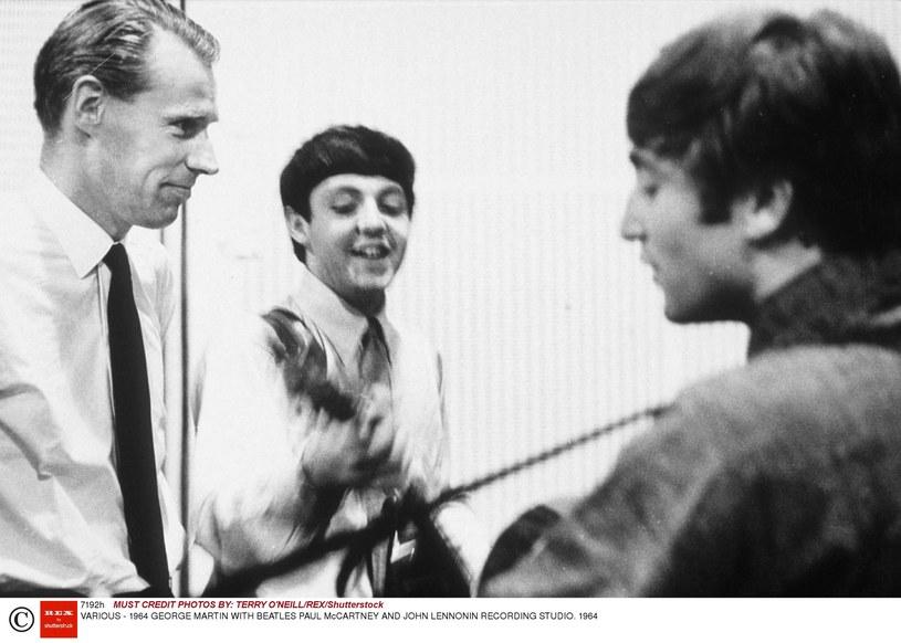 """Po śmierci producenta sir George'a Martina poruszający wpis o """"piątym Beatlesie"""" opublikował Paul McCartney."""