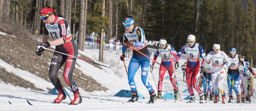 Biegiem na dochodzenie na 10 km techniką klasyczną w kanadyjskim Canmore Justyna Kowalczyk i jej koleżanki po fachu zakończą dzisiaj rywalizację w Pucharze Świata 2015/16. Na fetowanie drugiej w karierze Kryształowej Kuli szykuje się już zapewne Norweżka Therese Johaug, którą tylko kataklizm mógłby pozbawić trofeum. Z kolei w niemieckim Titisee-Neustadt rywalizować będą skoczkowie.