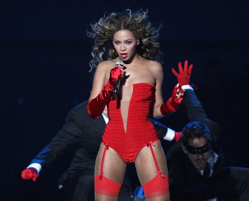 """Utwór """"Formation"""" to najnowszy single Beyonce. Do piosenki własną choreografię przygotowała grupa taneczna Syncopated Ladies, która specjalizuje się w stepowaniu. Ich wykonanie spodobało się samej wokalistce."""