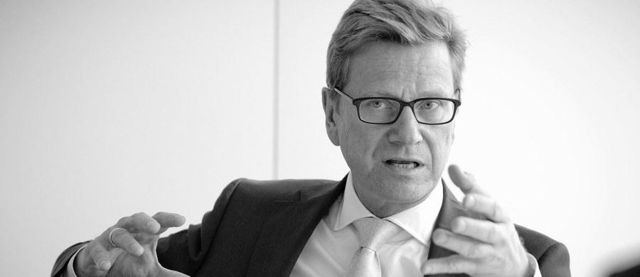 W wieku 54 lat zmarł w piątek były minister spraw zagranicznych Niemiec Guido Westerwelle - podała jego fundacja w Berlinie. Były przewodniczący FDP chorował na białaczkę.