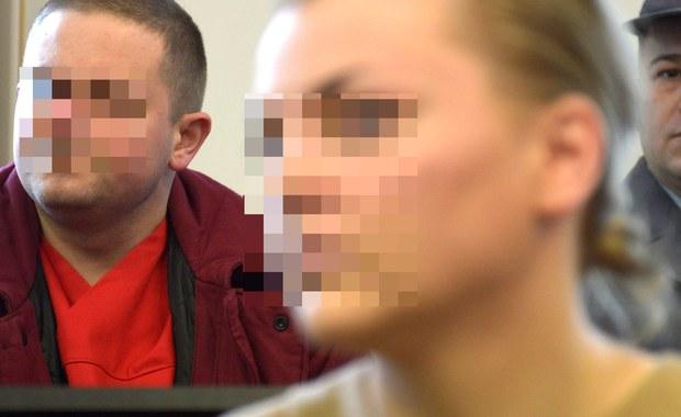 Przed Sądem Okręgowym w Gdańsku staną w poniedziałek b. prezes spółki Amber Gold Marcin P. i jego żona Katarzyna P., oskarżeni m.in. o oszustwo znacznej wartości i pranie brudnych pieniędzy. Ze względów bezpieczeństwa otwarte będzie jedno wejście do budynku. Proces odbywać się będzie w największej sali gdańskiego sądu.