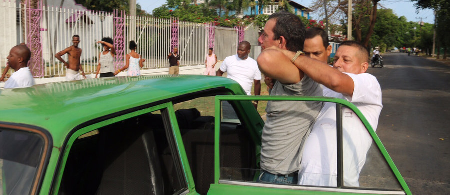 Reżim Castro nie spuszcza z tonu nawet przed wizytą Baracka Obamy. Paweł Żuchowski - nasz specjalny wysłannik na Kubę był świadkiem brutalnego zatrzymania opozycyjnego dziennikarza przez tajną policję.