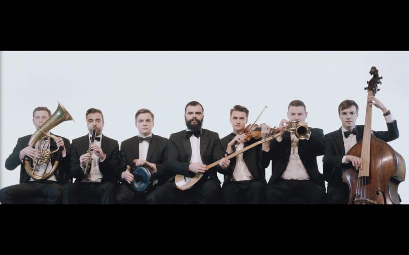 """Teledyskiem """"Ponad normę"""" grupa Bubliczki świętuje premierę swojej trzeciej płyty -""""Turbofolk""""."""