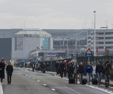 Polak pracujący na lotnisku w Brukseli: Terminal obstawiła policja z bronią maszynową