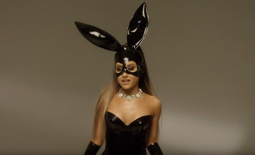 """Ariana Grande opublikowała nagranie swojego singla """"Dangerous Woman"""" w wersji a capella. Wideo cieszy się dużą popularnością w sieci."""