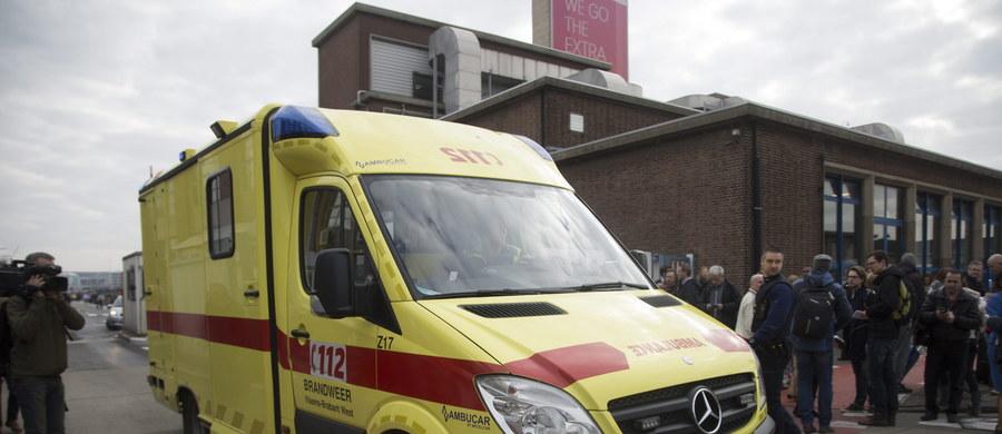 Troje Polaków zostało rannych w zamachach w Brukseli - to najświeższe informacje, które przekazał polski MSZ. Dwóch poszkodowanych to celnicy, którzy przebywali w Brukseli w delegacji. Zostali ranni na lotnisku Zaventem. W jednym z dwóch wybuchów ucierpiała także Polka, prawdopodobnie pracująca na lotnisku.