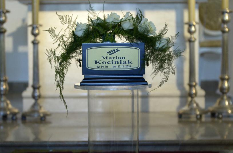 W Warszawie pożegnano Mariana Kociniaka, wybitnego aktora, który zmarł 17 marca po długiej chorobie. Aktor spoczął w grobie rodzinnym na cmentarzu Ewangelicko-Reformowanym przy ulicy Żytniej w Warszawie.
