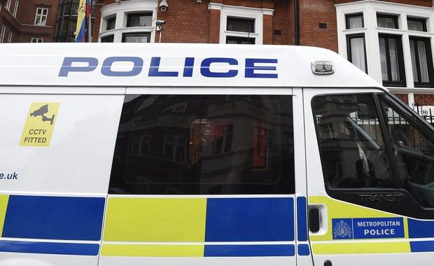 30-letnia Polka brutalnie zamordowana w Londynie. Według brytyjskich mediów, kobiecie zadano liczne ciosy ostrym narzędziem w klatkę piersiową. Jej ciało znaleźli sąsiedzi. W środę w wynajmowanym przez ofiarę mieszkaniu ciało odnaleźli sąsiedzi, którzy o sprawie poinformowali policję.