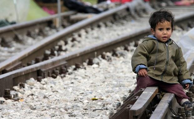 """Po zamknięciu przez Austrię i inne kraje szlaku bałkańskiego przemytnicy poszukują nowych tras dla migrantów pragnących nielegalnie przedostać się do Europy - podało niedzielne wydanie """"Frankfurter Allgemeine Zeitung"""". Jeden ze szlaków prowadzi przez Polskę."""