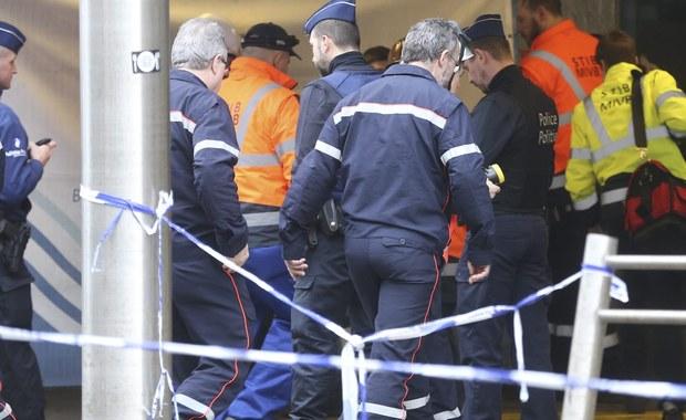 Wśród ofiar zamachów w Brukseli jest poszukiwana od ubiegłego wtorku 61-letnia Polka. Informację potwierdziła jej rodzina za pośrednictwem facebookowego profilu stowarzyszenia polonijnego SOS Bruksela. Polski MSZ - który we wtorek poinformował jedynie, że wśród śmiertelnych ofiar zamachów jest osoba z polskim obywatelstwem - w środę podał, że podczas wybuchu w metrze zginęła obywatelka Polski, która pracowała w Brukseli. Potwierdziły to belgijskie służby po przeprowadzeniu identyfikacji.