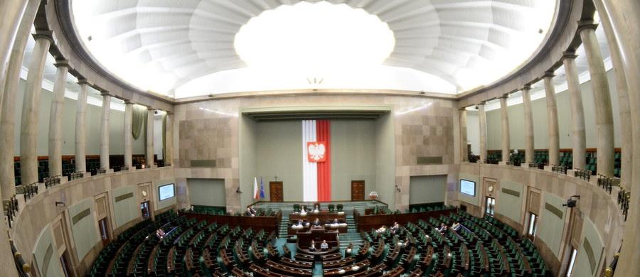Sejm uchwalił w czwartek ustawę przewidującą utworzenie rejestru przestępców seksualnych, m.in. pedofilów. Teraz trafi ona do Senatu.