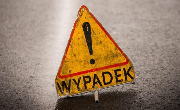 5 osób zostało rannych w wypadku w Tarnawie, w woj. małopolskim. Dachował tam samochód osobowy.