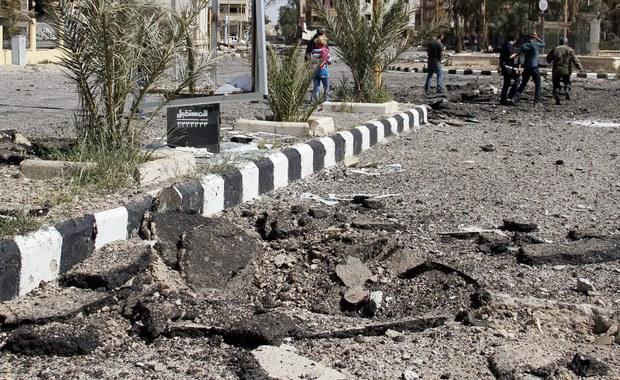 W syryjskiej Palmirze, odbitej niedawno przez siły Baszara el-Asada z rąk dżihadystów z Państwa Islamskiego (IS), odkryto zbiorowy grób ze szczątkami ponad 40 osób, cywilnych i wojskowych ofiar egzekucji dokonanej przez IS - podały w sobotę źródła wojskowe.