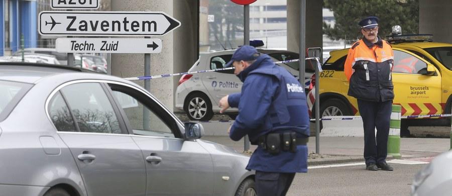 Zgodnie z zapowiedzią międzynarodowe lotnisko w Zaventem pod Brukselą, zamknięte po zamachach terrorystycznych z 22 marca, zostało częściowo otwarte w niedzielę dla lotów pasażerskich.