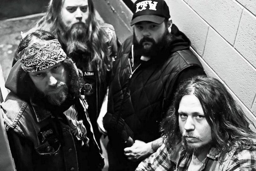"""Już w piątek, 8 kwietnia, zasłużona, sludge / doommetalowa formacja Sourvein z USA wyda nowy album """"Aquatic Occult""""."""