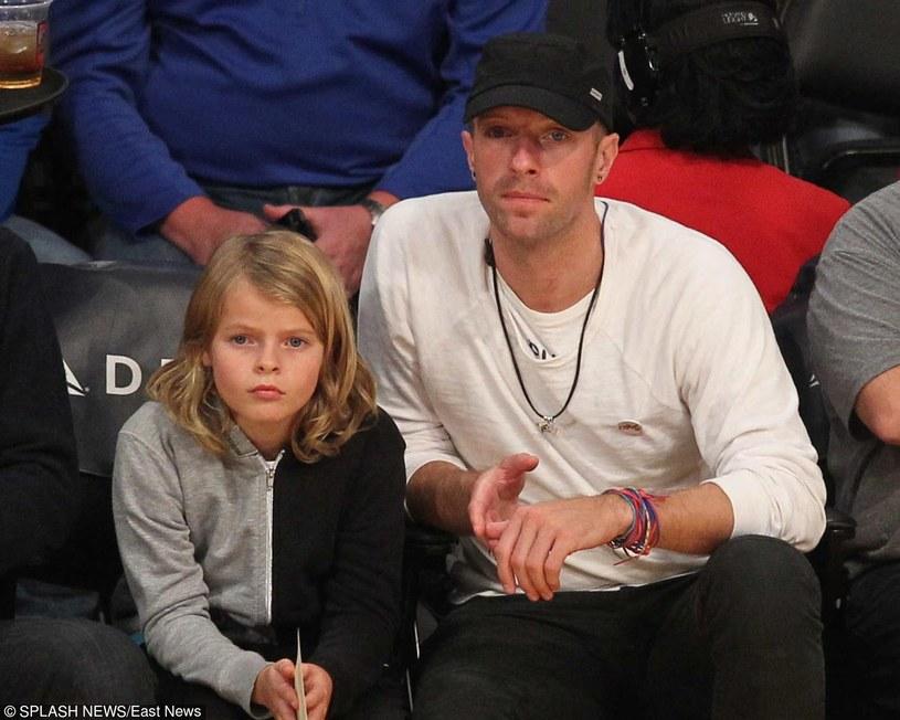 W piątek 8 kwietnia 10 lat skończy Moses, syn Chrisa Martina z grupy Coldplay i aktorki Gwyneth Paltrow. Zobaczcie, jaką niespodziankę przygotował mu jego tata!