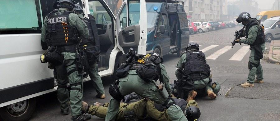 """Blisko jedna trzecia Polaków czuje się zagrożona zamachem terrorystycznym. To wynik sondażu przeprowadzonego przez """"Dziennik Gazetę Prawną""""."""