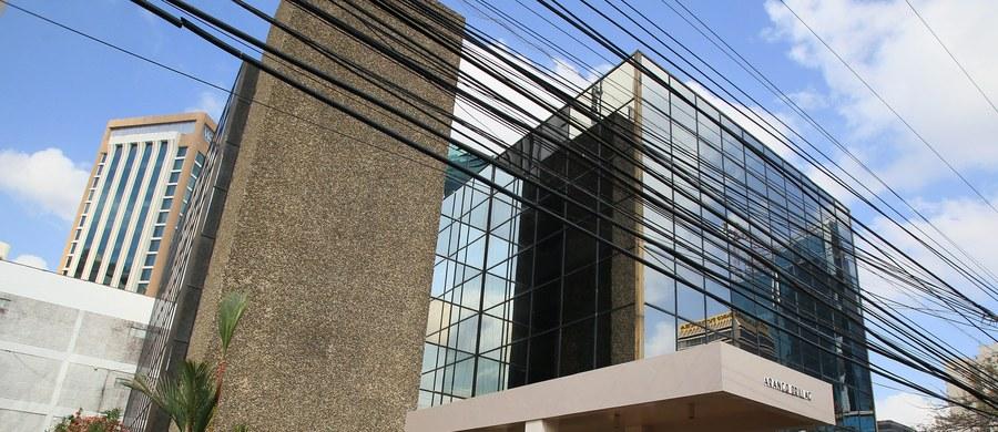 """Władze Panamy ogłosiły, że powołają niezależną komisję, która zbada praktyki finansowe w kraju. To pokłosie wycieku danych z lokalnej kancelarii prawnej, które pokazują, jak znani i bogaci z całego świata ukrywają przed fiskusem pieniądze w rajach podatkowych. Władze przyznają, że afera """"Panama Papers"""" zaszkodziła reputacji Panamy, której gospodarka w 83 proc. opiera się na usługach."""