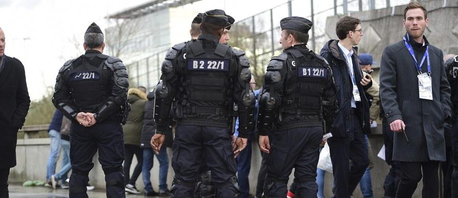 Terroryści wysadzili się w powietrze w miejscowości Nowosielskoje w Kraju Stawropolskim na południu Rosji - podaje agencja Interfax. W atakach zginęło 3 zamachowców, jeden został zabity - informuje rosyjski korespondent RMF FM Przemysław Marzec.