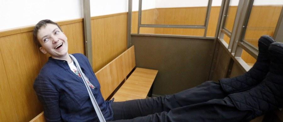 Rozmowy o uwolnieniu skazanej w Rosji ukraińskiej lotniczki Nadii Sawczenko zostały zerwane – poinformowała  jej siostra Wira. Przekazała też, że Nadija, która od sześciu dni prowadzi całkowitą głodówkę, została zbadana przez lekarzy.