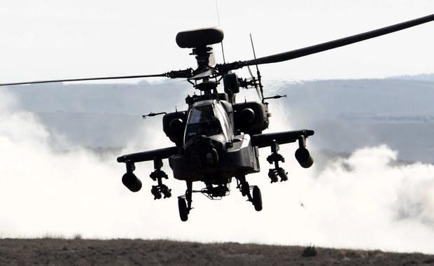 """MON skłania się do zakupu śmigłowców uderzeniowych AH-64 Apache, których część ma być montowana w Łodzi – czytamy w dzisiejszym wydaniu """"Dziennika Gazety Prawnej"""". Według gazety jest to obecnie najbardziej prawdopodobny scenariusz dotyczący zakupów śmigłowcowych dla polskiej armii."""