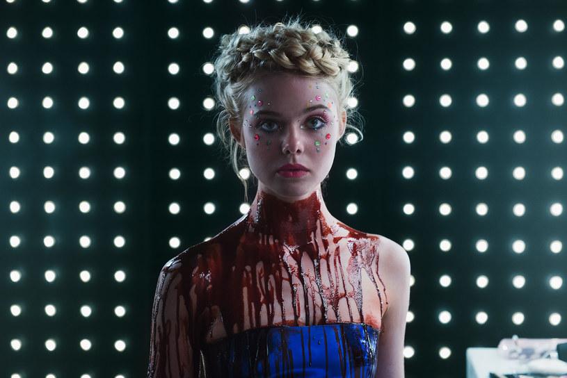"""Pojawił się zwiastun najnowszego filmu Duńczyka Nicolasa Windinga Refna """"The Neon Demon"""". Główną rolę w obrazie, który w maju powalczy o Złotą Palmę na festiwalu w Cannes, gra Elle Fanning."""