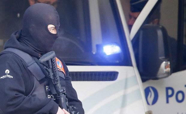 """Sąd apelacyjny w Brukseli skazał w czwartek na 15 lat więzienia Chalida Zerkaniego za kierowanie """"grupą terrorystyczną"""", która wysyłała do Syrii wielu bojowników, w tym przyszłych autorów zamachów w Paryżu. Sąd zwrócił uwagę na """"cynizm"""" podsądnego, który wciąż zaprzecza stawianym mu zarzutom."""